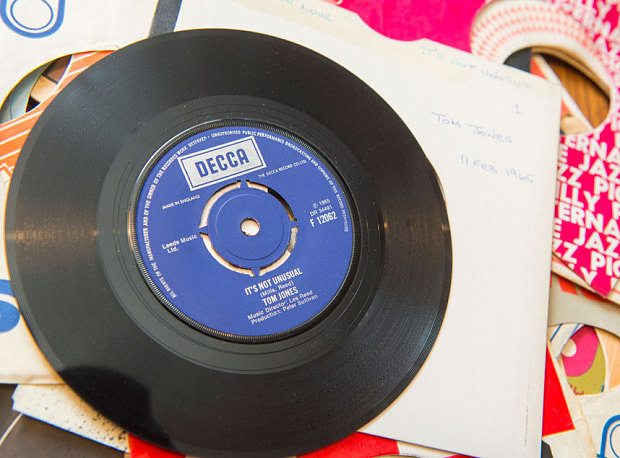 Records3_3288161b