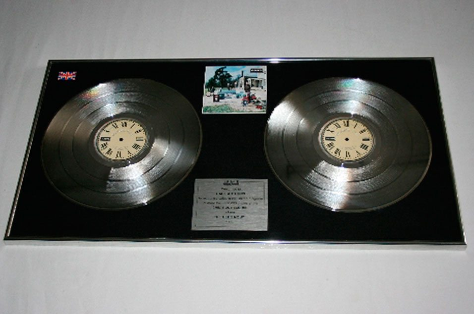 2015OASIS_collectorsitem_PlatinumDisc_020915