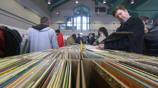 looking-at-vinyl