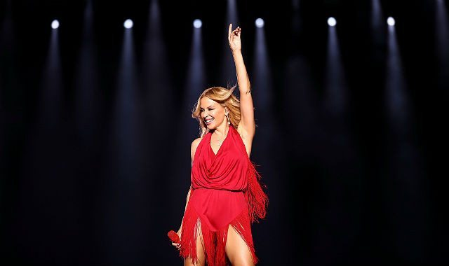 gettyimages-606187568_kylie_christmas_480-article_x4
